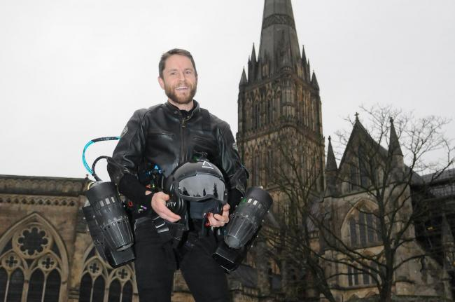 Richard Browning flies letter to Isle of Wight in jet suit