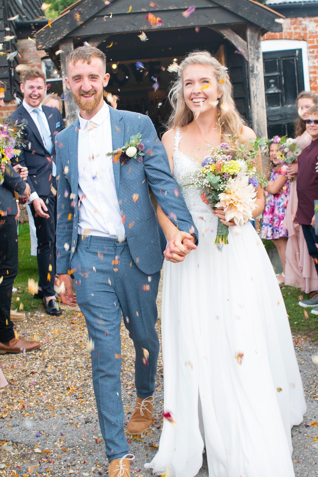 Salisbury newlyweds grow allotment flowers - for their wedding!