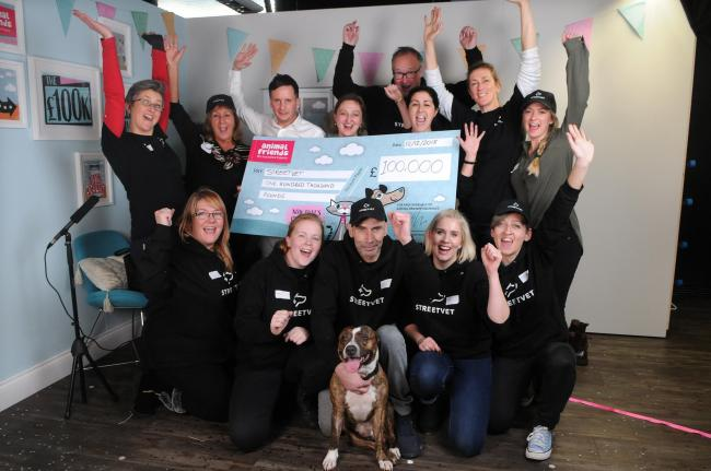 Wes Pearson and Jen Bilec from Animal Friends with the team from StreetVet, who were last year's winners of £100k, at The Animal Friends Big Reveal DC8925P48 Picture by Tom Gregory.