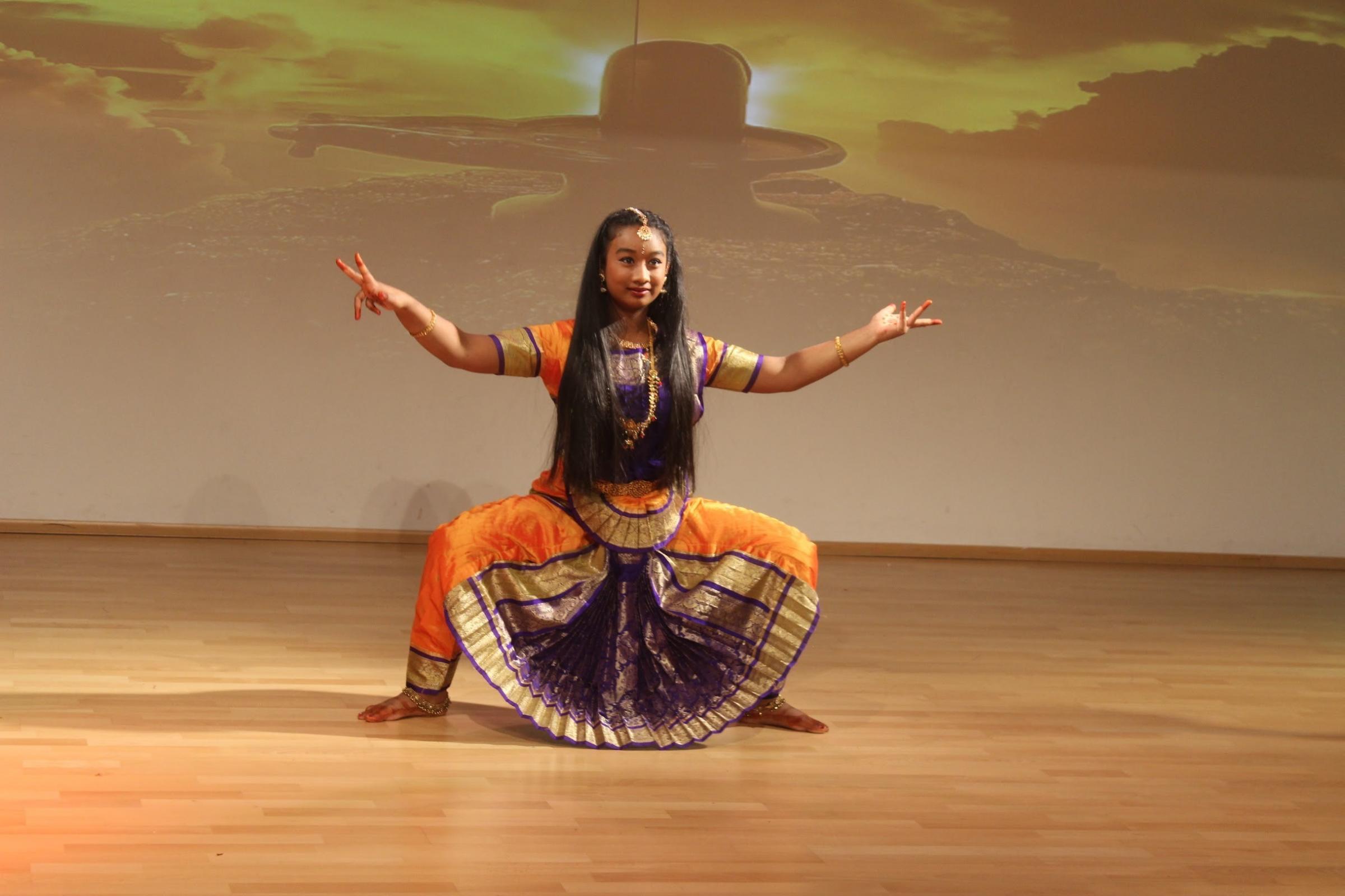 Diwali celebrations by Indian Community of Salisbury at Sarum Academy