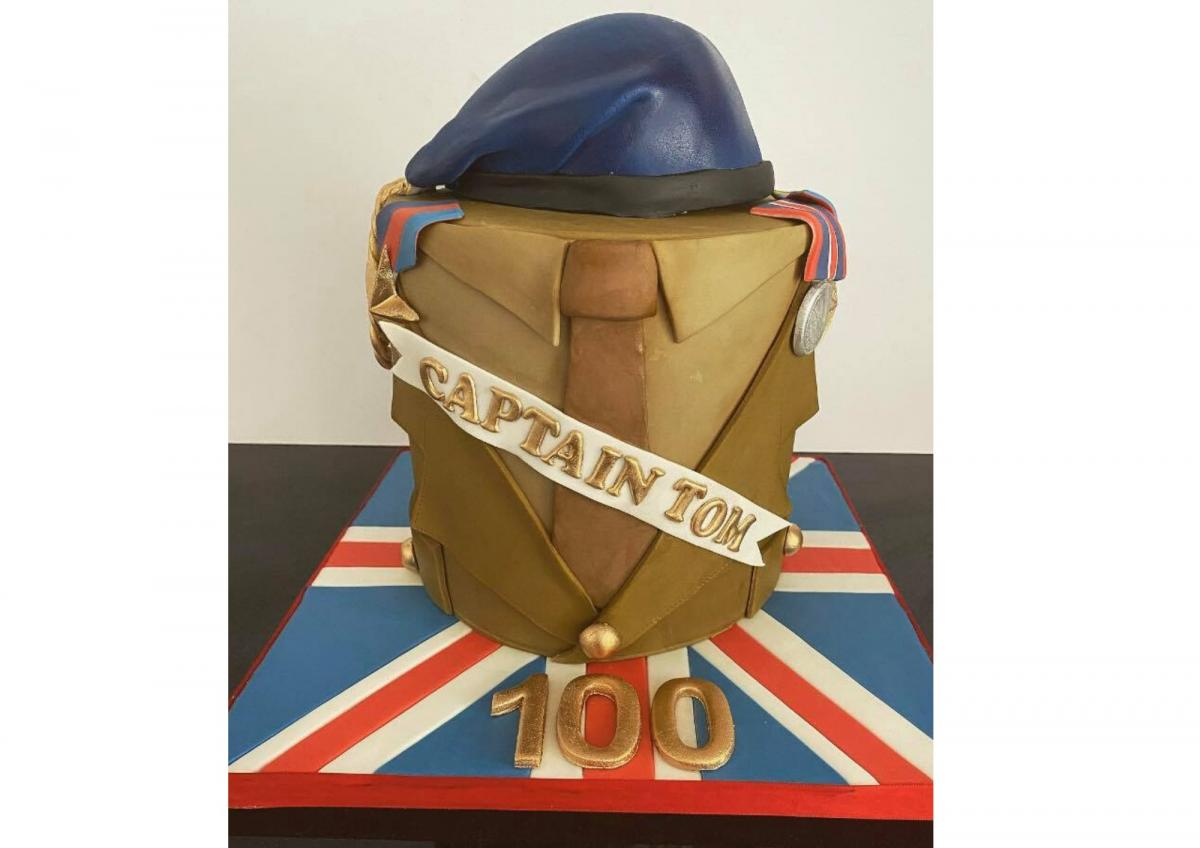 Peachy Cake Maker Bakes Vanilla Showstopper To Wish Happy Birthday To Funny Birthday Cards Online Kookostrdamsfinfo