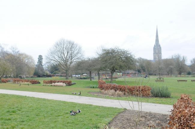 Elizabeth Gardens and the Town Path, Salisbury. DC7094P2..Picture by Tom Gregory.