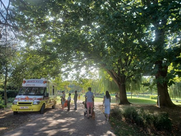 Salisbury Journal: Bob's Ices in Queen Elizabeth Gardens