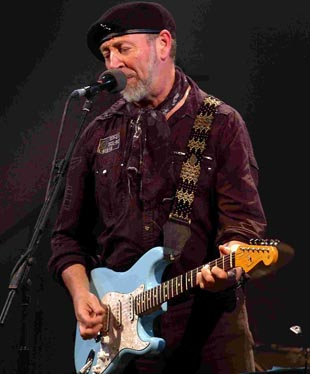 Richard Thompson at the City Hall. DB9012P23