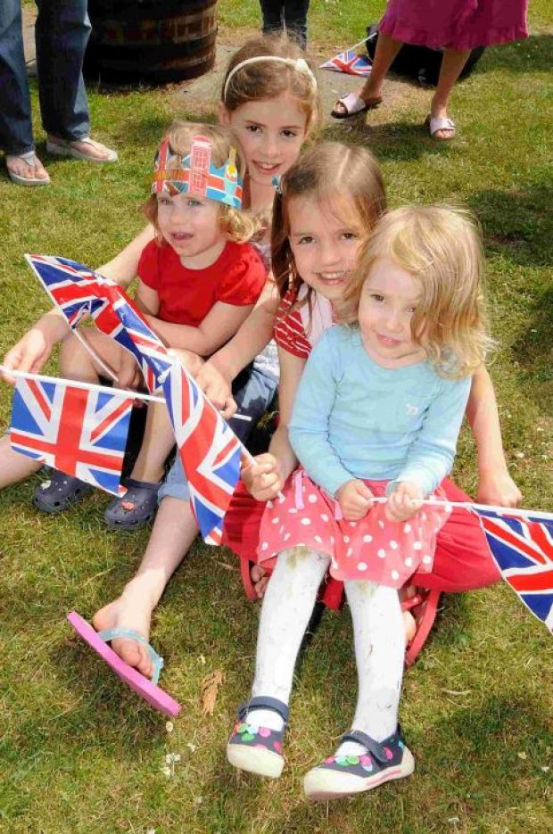 Sun shines on Downton's Jubilee party