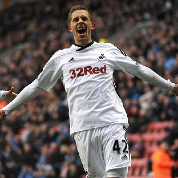 Salisbury Journal: Gylfi Sigurdsson expecting silverware after making Tottenham move