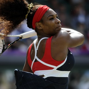 Serena Williams booked her place in the US Open final against world number one Victoria Azarenka