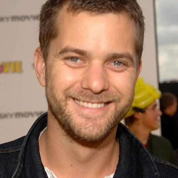 Joshua Jackson revealed he recently caught up with Katie Holmes by telephone