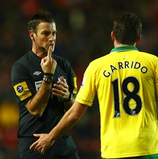 Mark Clattenburg was back in the fold as Norwich drew with Southampton