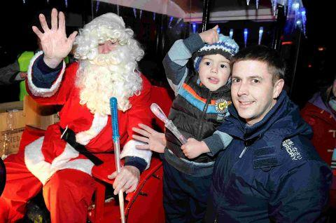 Christmas lights go on in Wilton