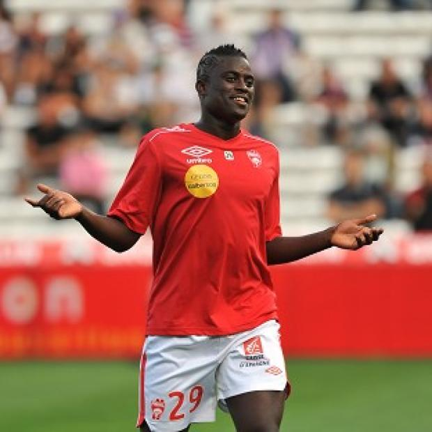 Alfred Ndiaye has completed his move to Sunderland