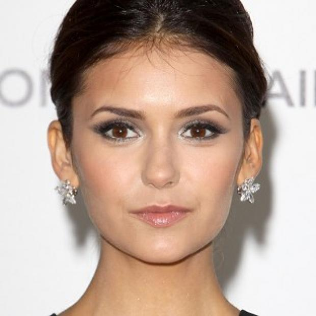 Nina Dobrev wasn't wearing a ring at the Critics' Choice Awards