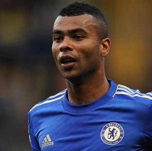 Ashley Cole has penned a new one-year deal at Chelsea