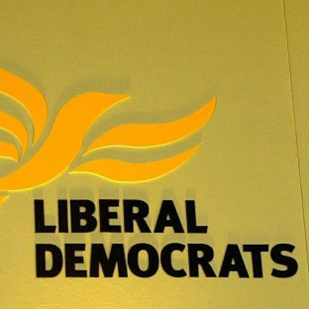 A Liberal Democrat MP has apologised over comments about Israel made in the run-up to Holocaust Memorial Day