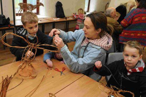 Willow workshop at community farm