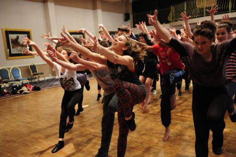 Young stage stars to perform Cats