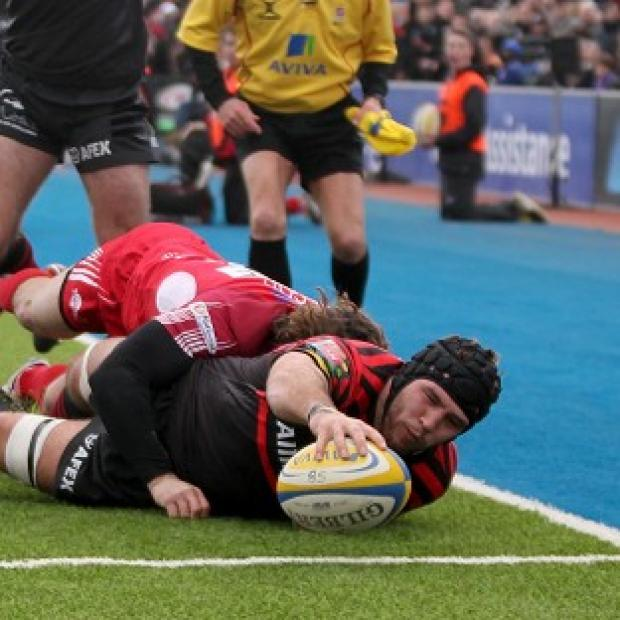 Will Fraser reaches over to score Saracens' third try against London Welsh