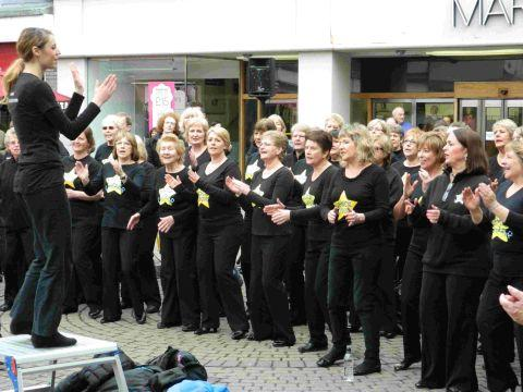 Mayor to sing with Rock Choir