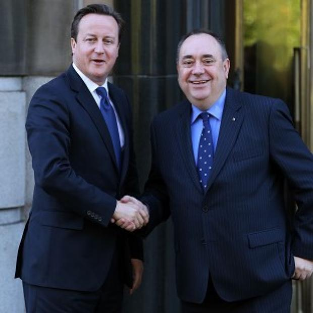 Salisbury Journal: Pressure is mounting on David Cameron to enter into a face-to-face debate with Alex Salmond on Scottish independence