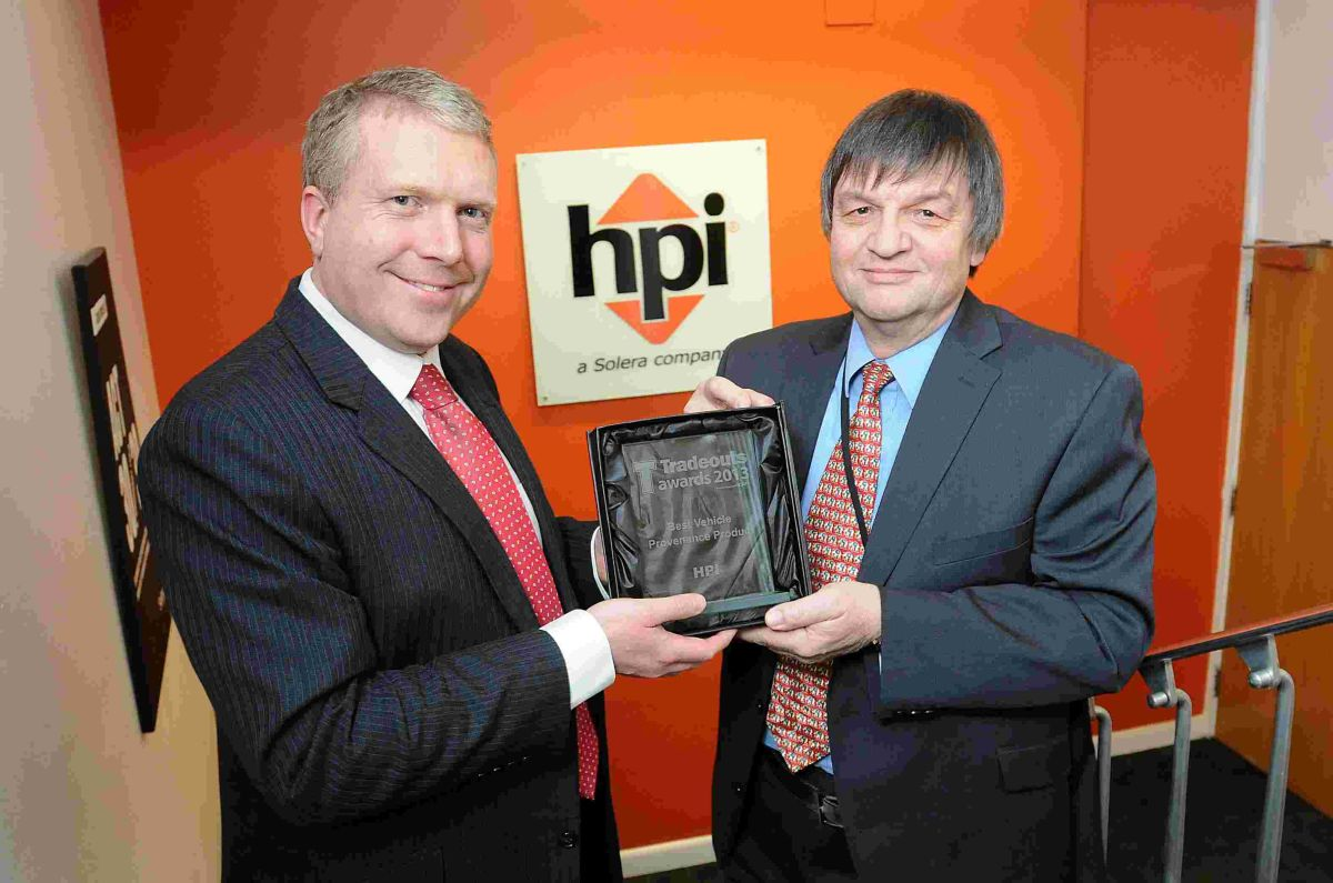 Roger Evans, automotive director at HPI Limited and Nigel Coombe, businessdevelopment manager at Tradeouts