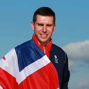 Speed skater to carry GB flag