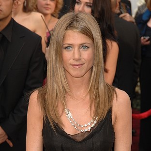 Jennifer Aniston spent her birthday with friends instead of her fianc