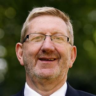 Len McCluskey has urged Ed Miliband to say he would govern alone even if the party falls short of a majority in next year's general election