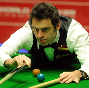 Ronnie O'Sullivan, pictured, has opened up a five-frame lead over Robin Hull