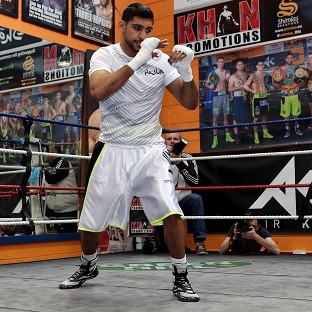 Amir Khan is preparing for his welterweight debut against Luis Collazo in Las Vegas