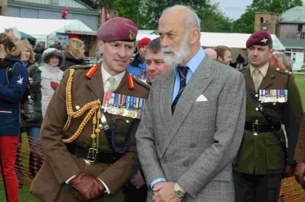 Support our Paras Day