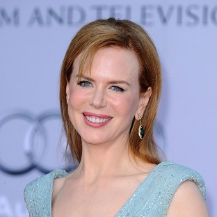 A sickly Nicole Kidman has accepted a Glamour Women Of The Year  award in her p