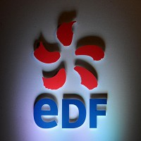 EDF staff in talks over pay strike