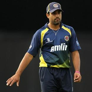 Salisbury Journal: Ravi Bopara took two wickets for Essex