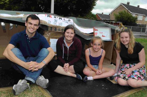 Forrdingbridge Junior School sleep out teachers Philip Denton and Carla Laney receive their first visitors Megan and Charlotte. DC5291P1