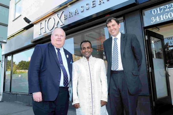Eric Pickles visits Hox