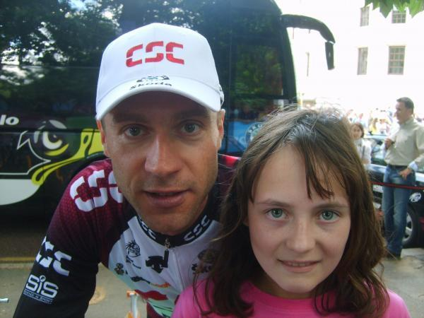 Pro-cyclist Jens Voigt supports teen with health difficulties