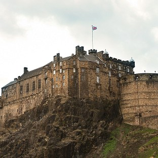 A survey suggests that the Scottish tourism industry will not suffer if independence is voted through