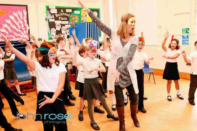 Gomeldon School pupils perform Die Fledermaus