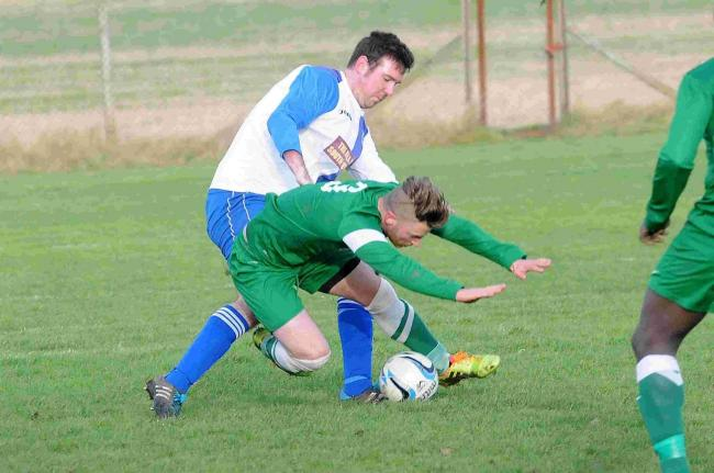 Alderbury FC vs South Newton FC at the Alderbury ground....Picture by Tom Gregory..10/01/2015..DC6147P3.