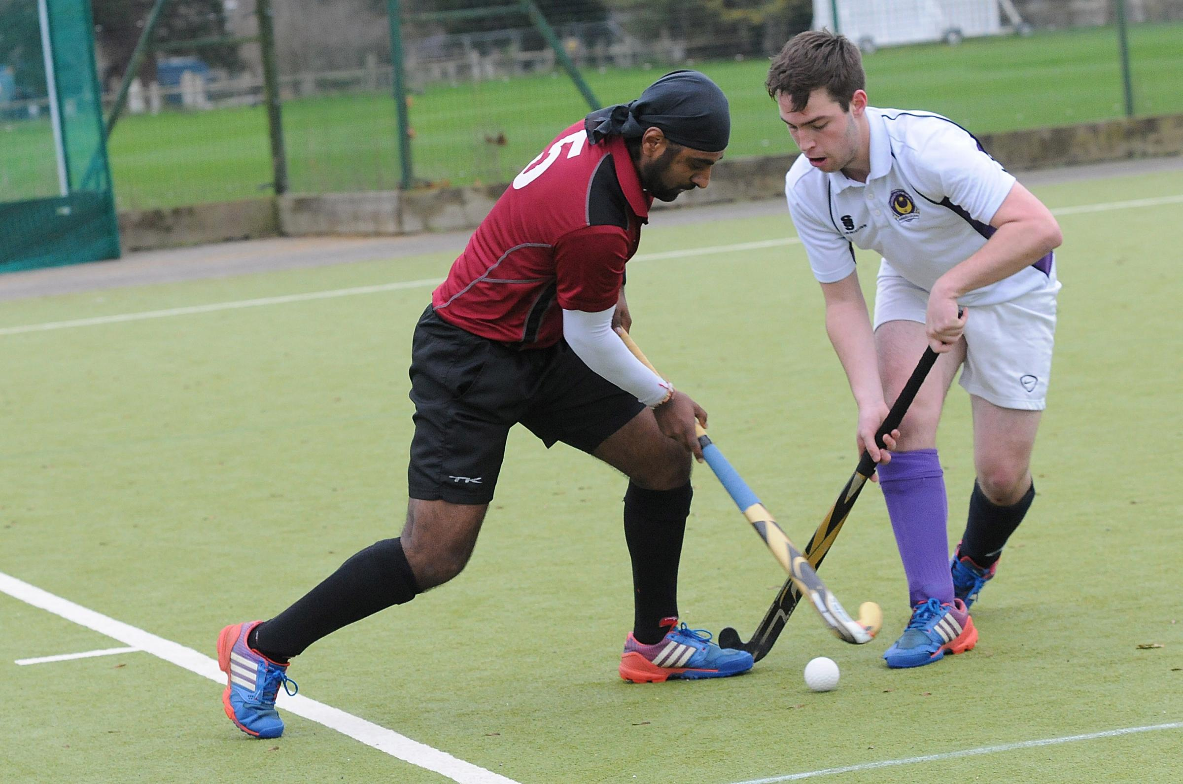 Salisbury Mens Hockey 1st Team vs University of Portsmouth at the Lower Bemerton pitch. DC6920P4..Picture by Tom Gregory. Jagjit Marwaha
