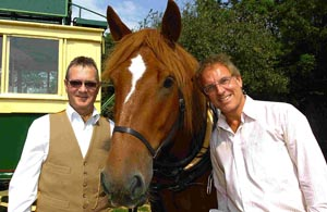 Jonathan Elliot (right), the great, great, great, great grandson of Obadiah Elliot, the inventor of the leaf spring, with New Forest Omnibus owner Steve Jones and horse Obadiah. DB2711P3