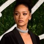 Salisbury Journal: Rihanna thanks fans for making her 'the happiest girl in the world' as she offers new album Anti for free