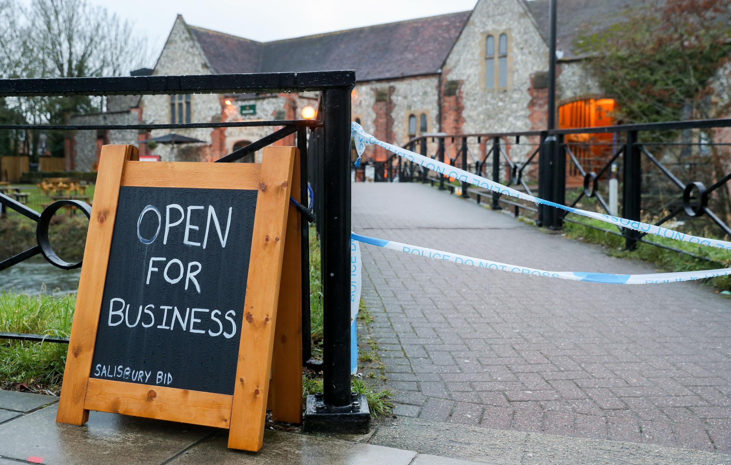 Police tape cordons off The Mill pub near to the Maltings in Salisbury, as police and members of the armed forces probe the suspected nerve agent attack on Russian double agent Sergei Skripal. PRESS ASSOCIATION Photo. Picture date: Monday March 12, 2018.