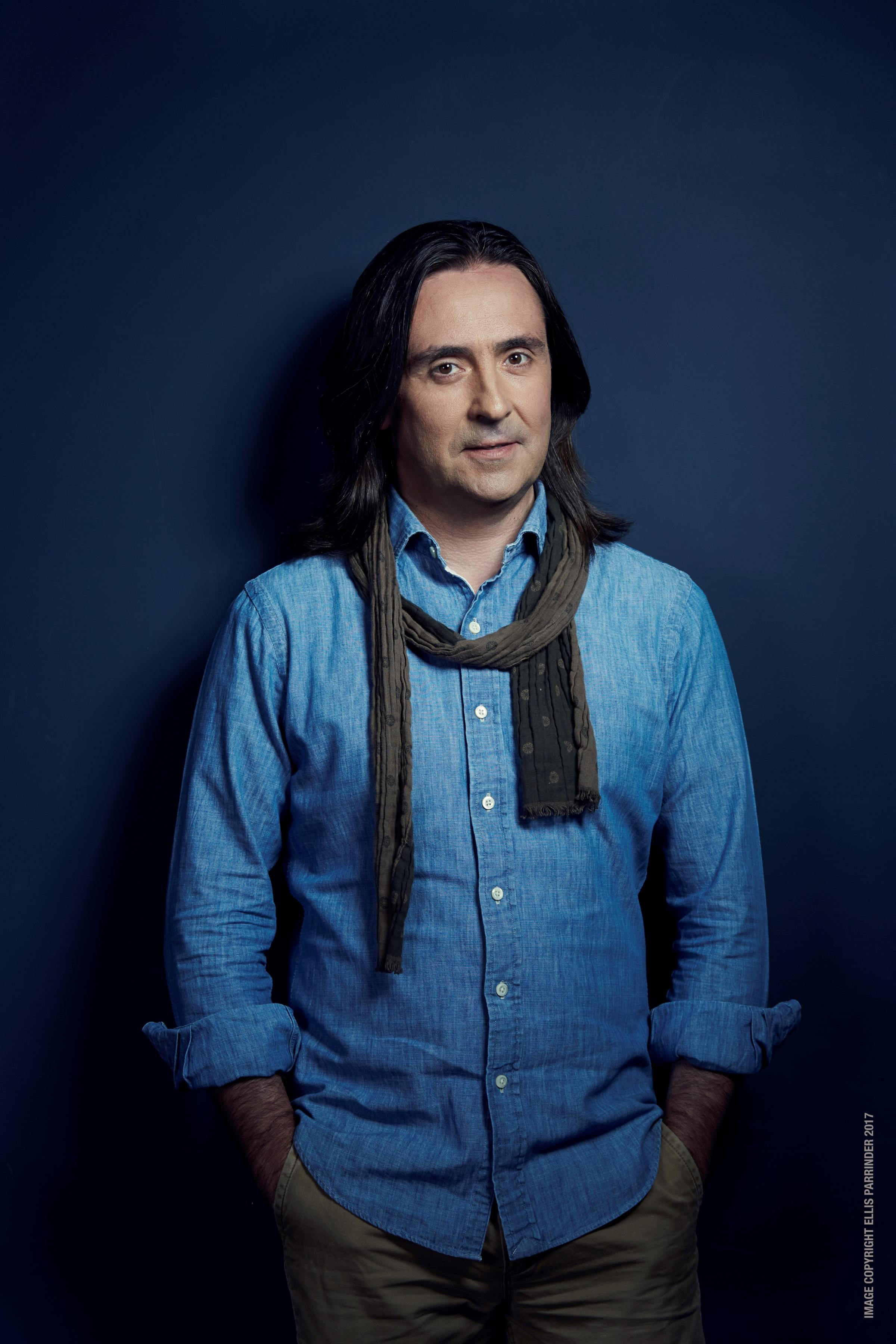Neil Oliver - The Story of The British Isles in 100 places'