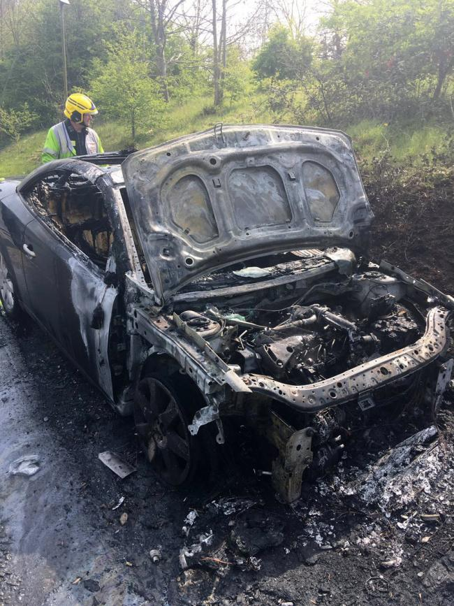 The burned-out car on the A31 (pic: Hants Road Policing/@hantspolroads on Twitter)