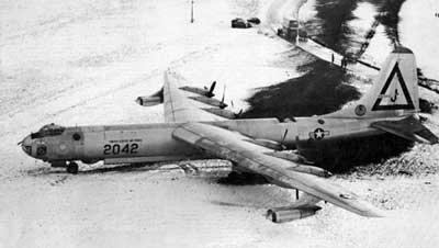 B36 Bus Time >> American B36 Atom Bomber Had To Make A Force Landing On Outskirts Of